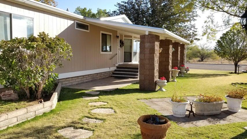 360 White Mountain Drive, St. Johns, AZ 85936
