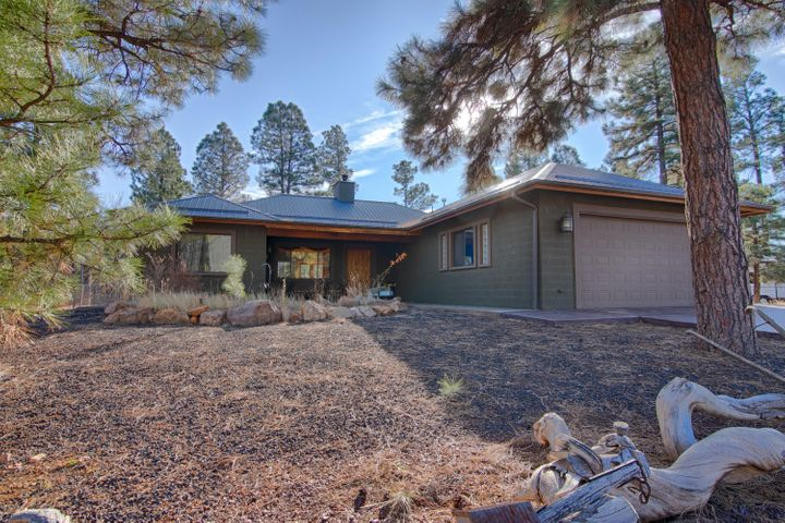 853 Neal Road, Show Low, AZ 85901