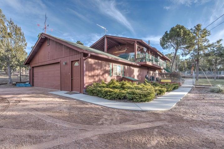 2097 Ranger Rd, Overgaard, AZ 85933
