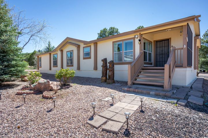 748 Club Straight Lane, Show Low, AZ 85901