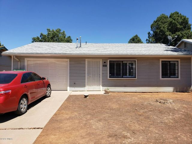 689 N 6Th Drive, Show Low, AZ 85901