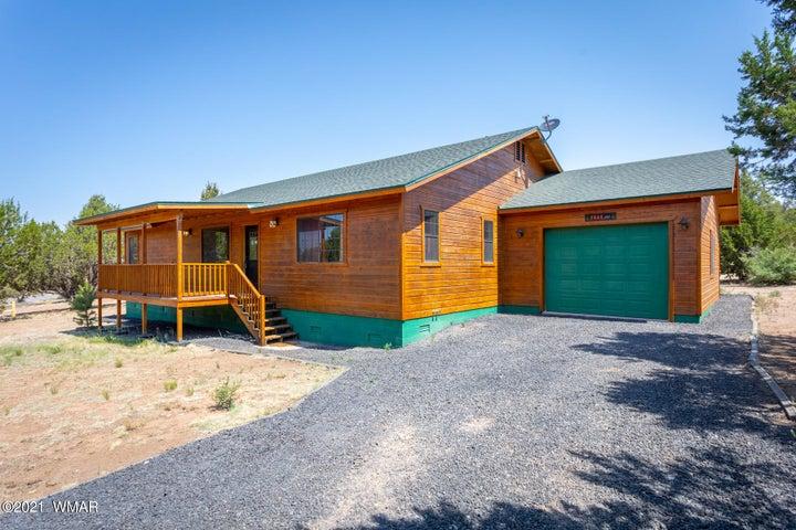 3244 Outlaw Trail, Overgaard, AZ 85933