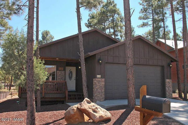 640 S Mountain Pines Avenue, Show Low, AZ 85901