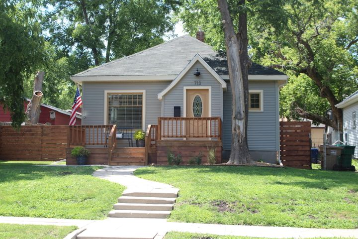 713 N PARK STREET, Watertown, SD 57201
