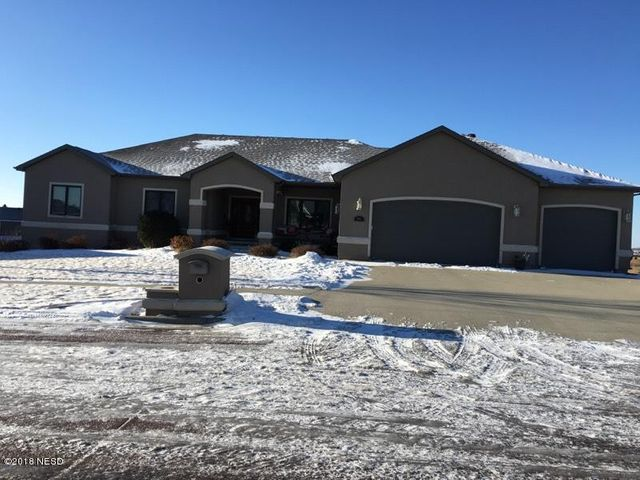 606 CRYSTAL COURT NW, Watertown, SD 57201