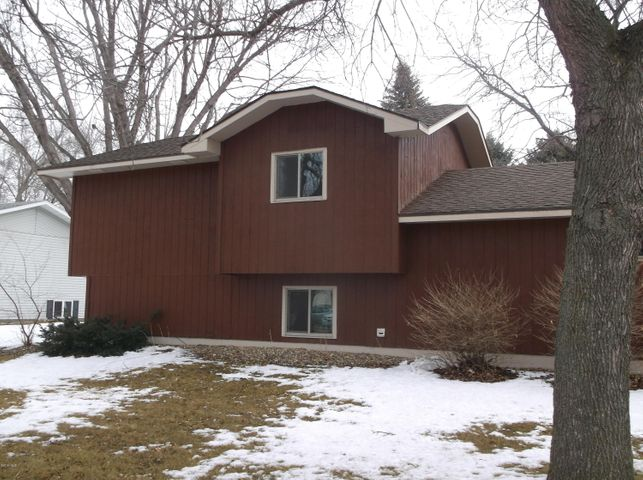 1107 7TH AVENUE NE, Watertown, SD 57201