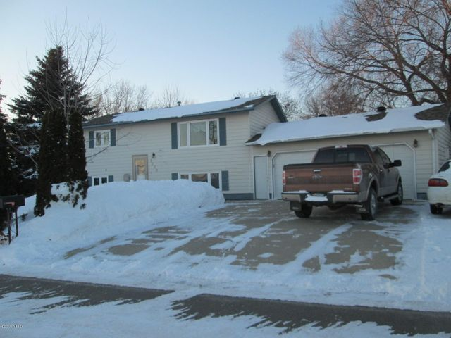 1709 BOGUE AVENUE NE, Watertown, SD 57201