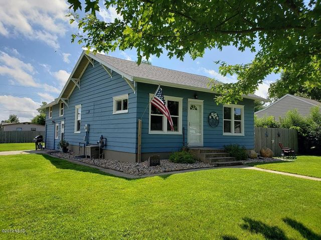 802 1ST AVENUE SW, Watertown, SD 57201