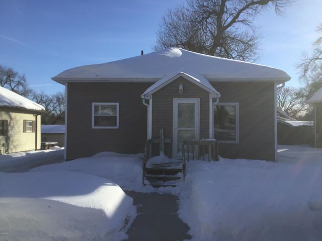 712 1ST STREET NW, Watertown, SD 57201