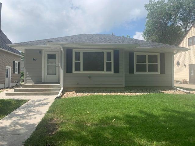 813 3RD STREET NE, Watertown, SD 57201