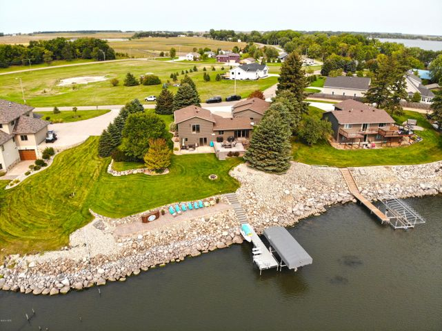 1196 S LAKE DRIVE, Watertown, SD 57201