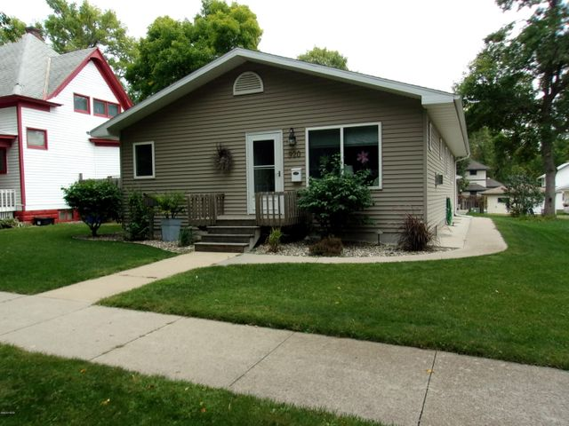 920 2ND STREET W, Watertown, SD 57201