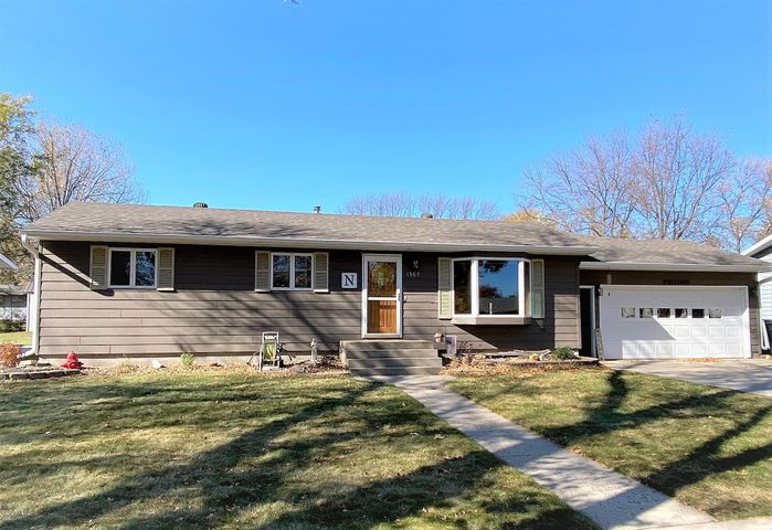 1365 2ND STREET NW, Watertown, SD 57201