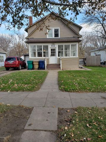 612 2ND STREET NW, Watertown, SD 57201