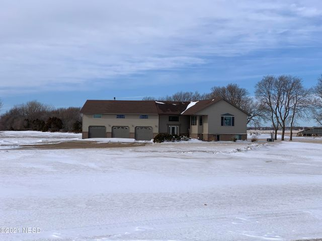 17959 SD HWY 15, Clear Lake, SD 57226