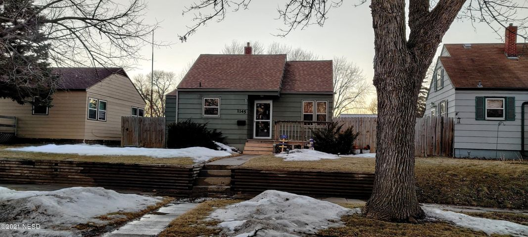 1145 N PARK STREET, Watertown, SD 57201