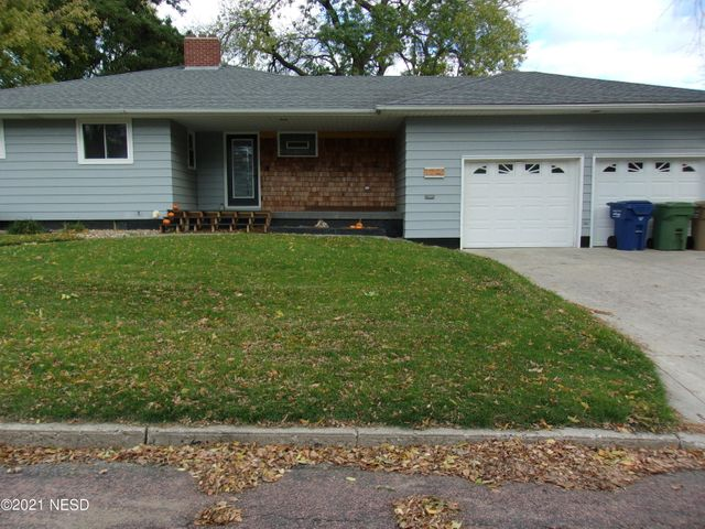 524 4TH STREET NW, Watertown, SD 57201