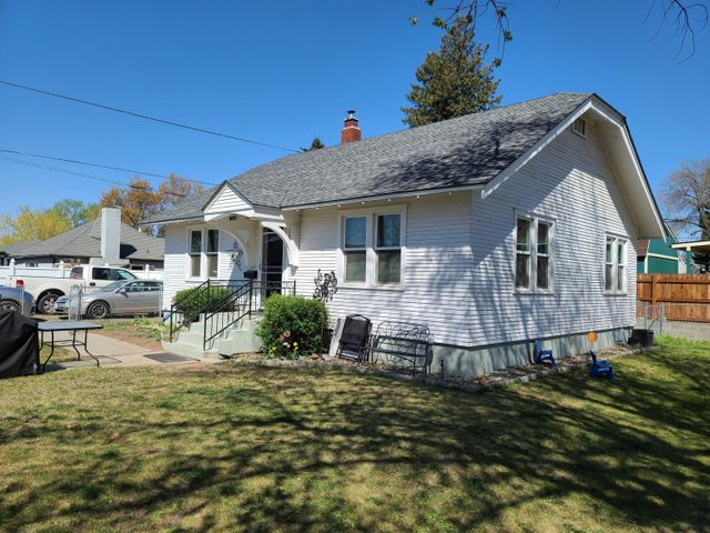 1015 W Stewart St, Yakima, WA 98902