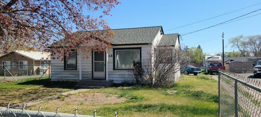 815 N 20th Ave, Yakima, WA 98902
