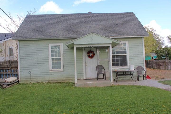 2611 Fairbanks Ave, Yakima, WA 98902