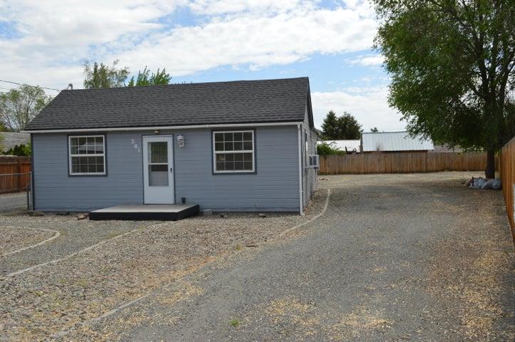 261 Taylor Loop Rd, Selah, WA 98942