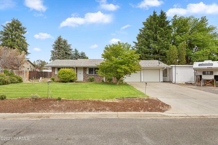 403 S 67th Ave, Yakima, WA 98908