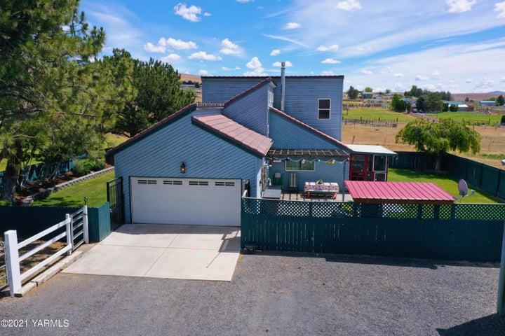 90 Clemans View Rd, Selah, WA 98942