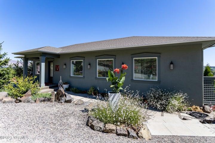 237 Young Grade Rd, Yakima, WA 98908