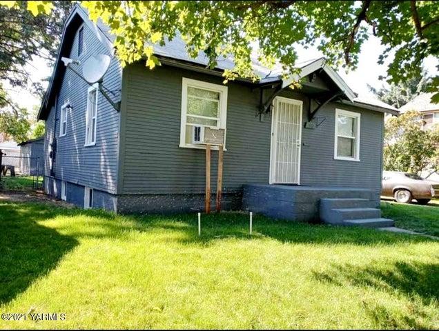 712 S 7th Ave, Yakima, WA 98902