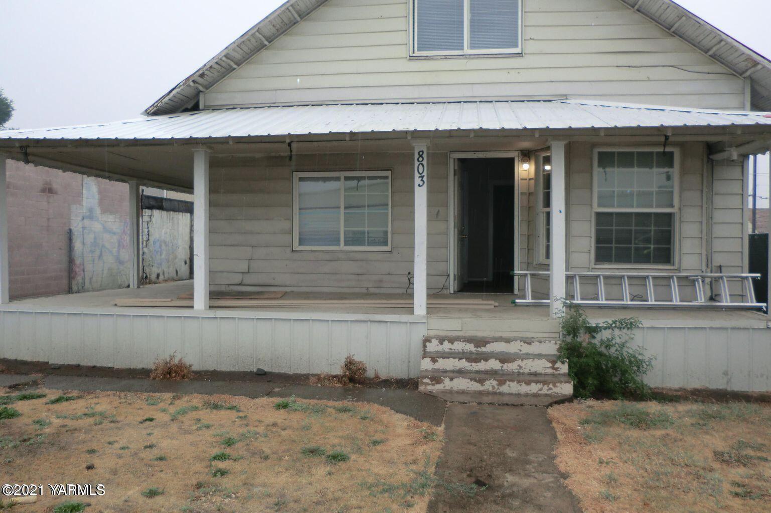 803 S 3rd St, Yakima, WA 98901