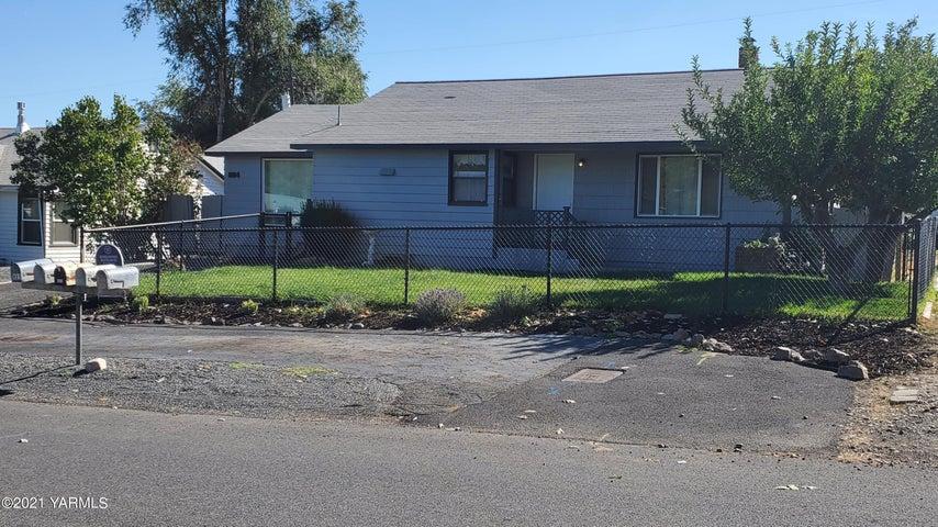 804 W Home Ave, Selah, WA 98942